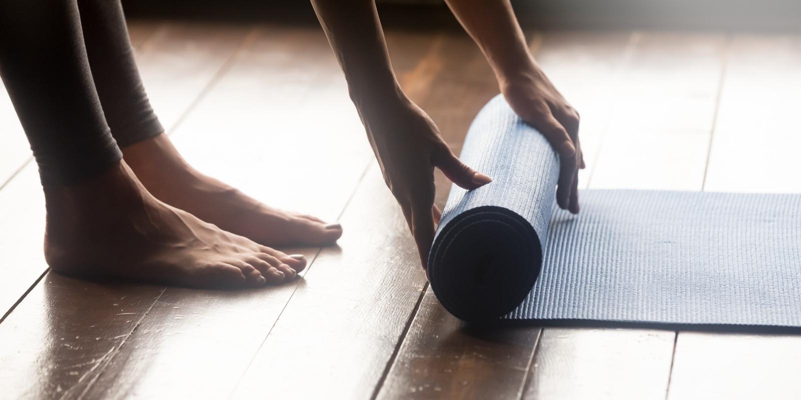 Exercitii de Yoga si Pilates pentru incepatori